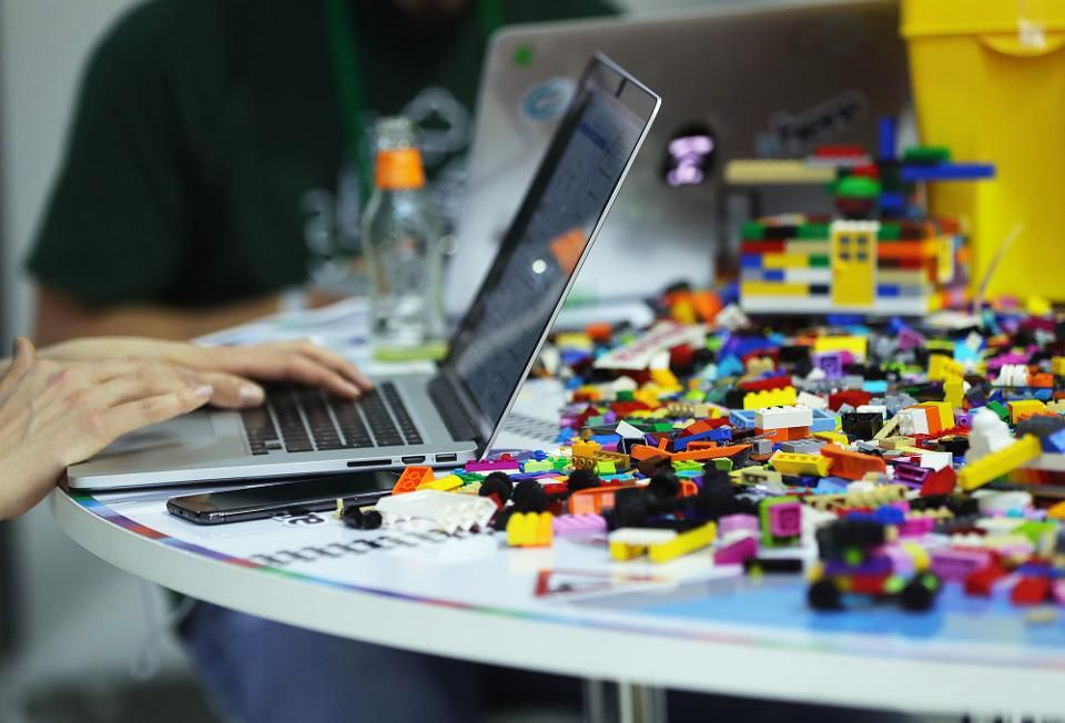 16 Techniques to Encourage Innovation in the Workplace